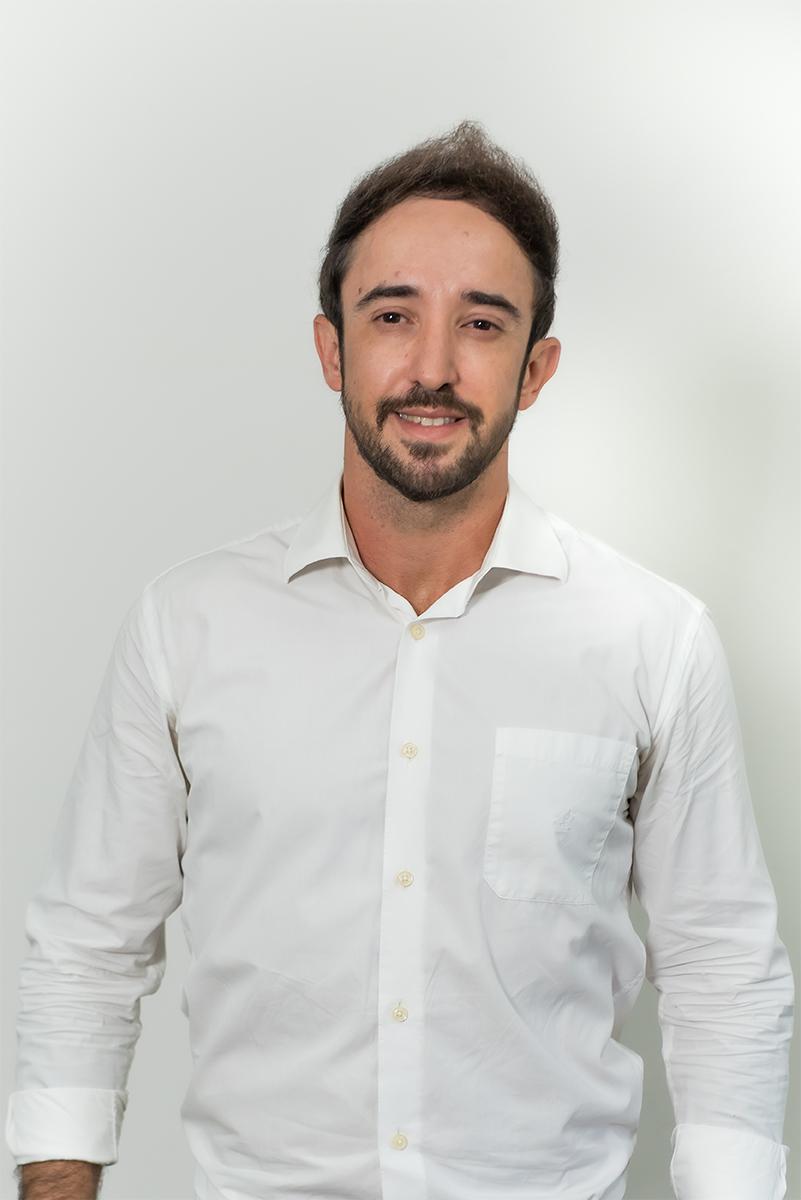 <b>k</b>Alexandre Almeida Oliveira