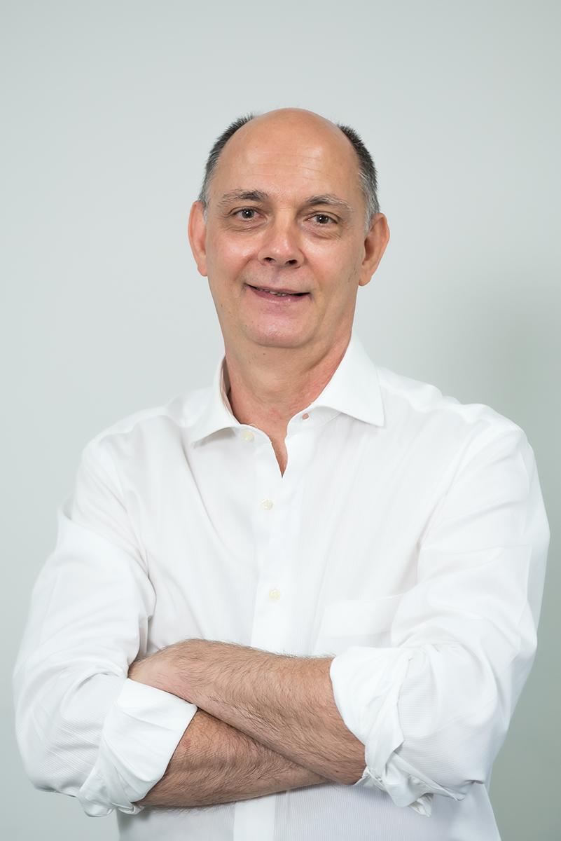 <b>c</b>Antônio Carlos Mariani
