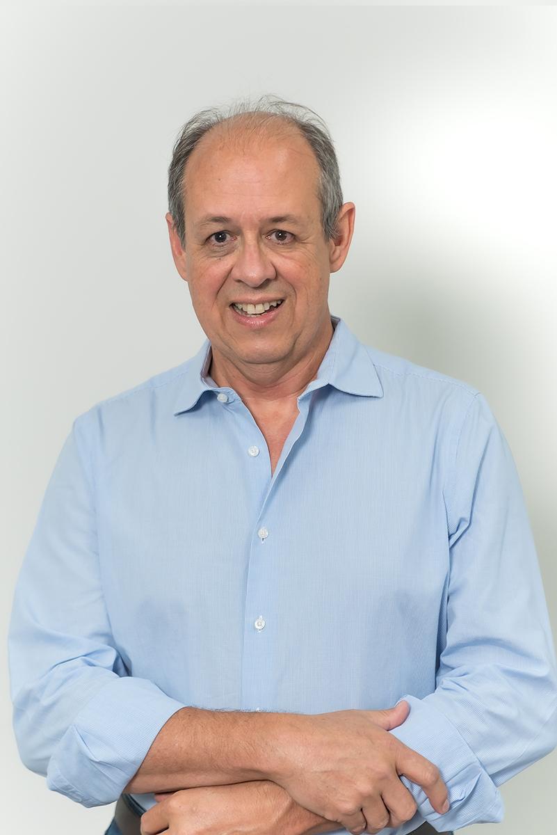 <b>m</b>Julio Lima