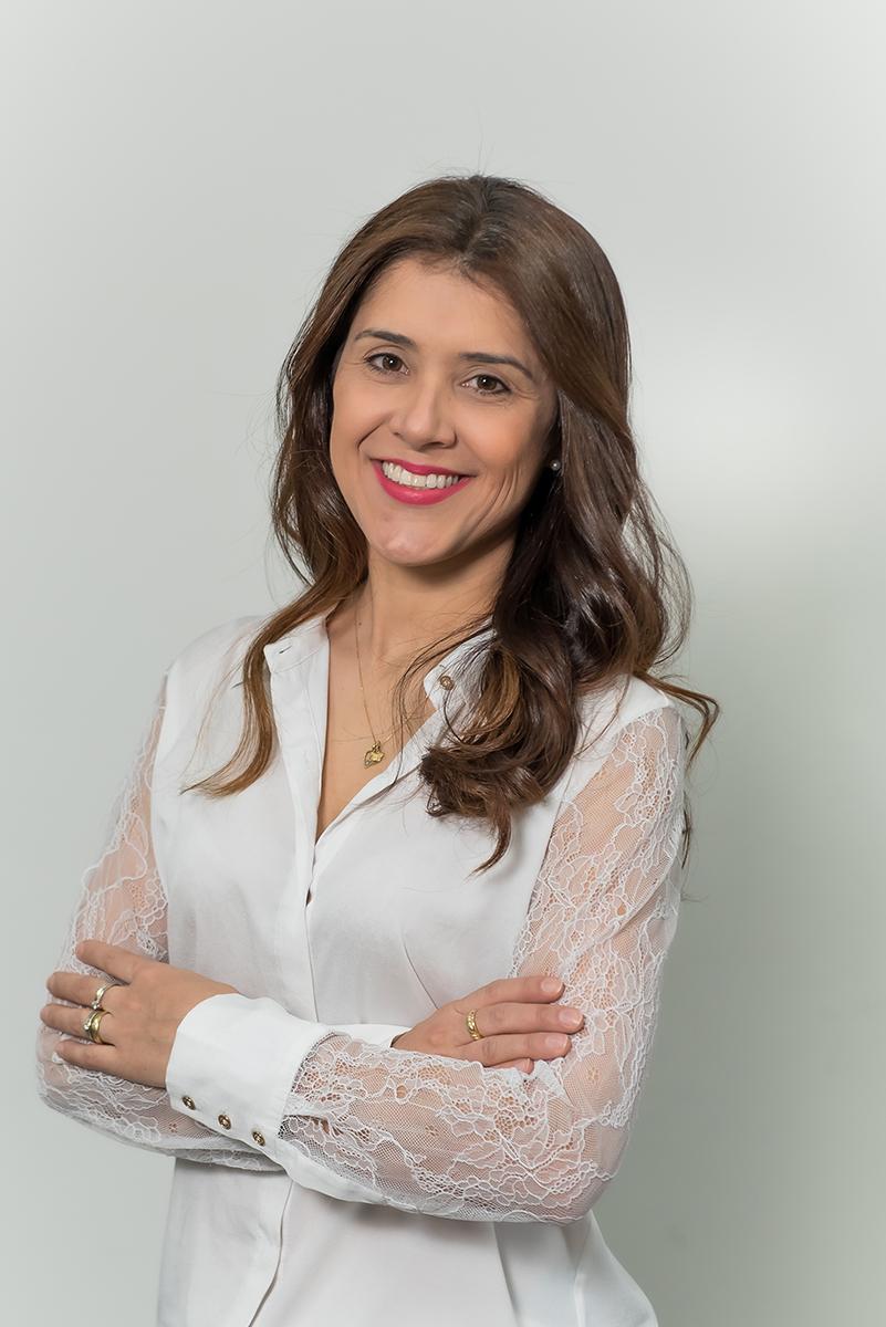 <b>o</b>karla Carvalho