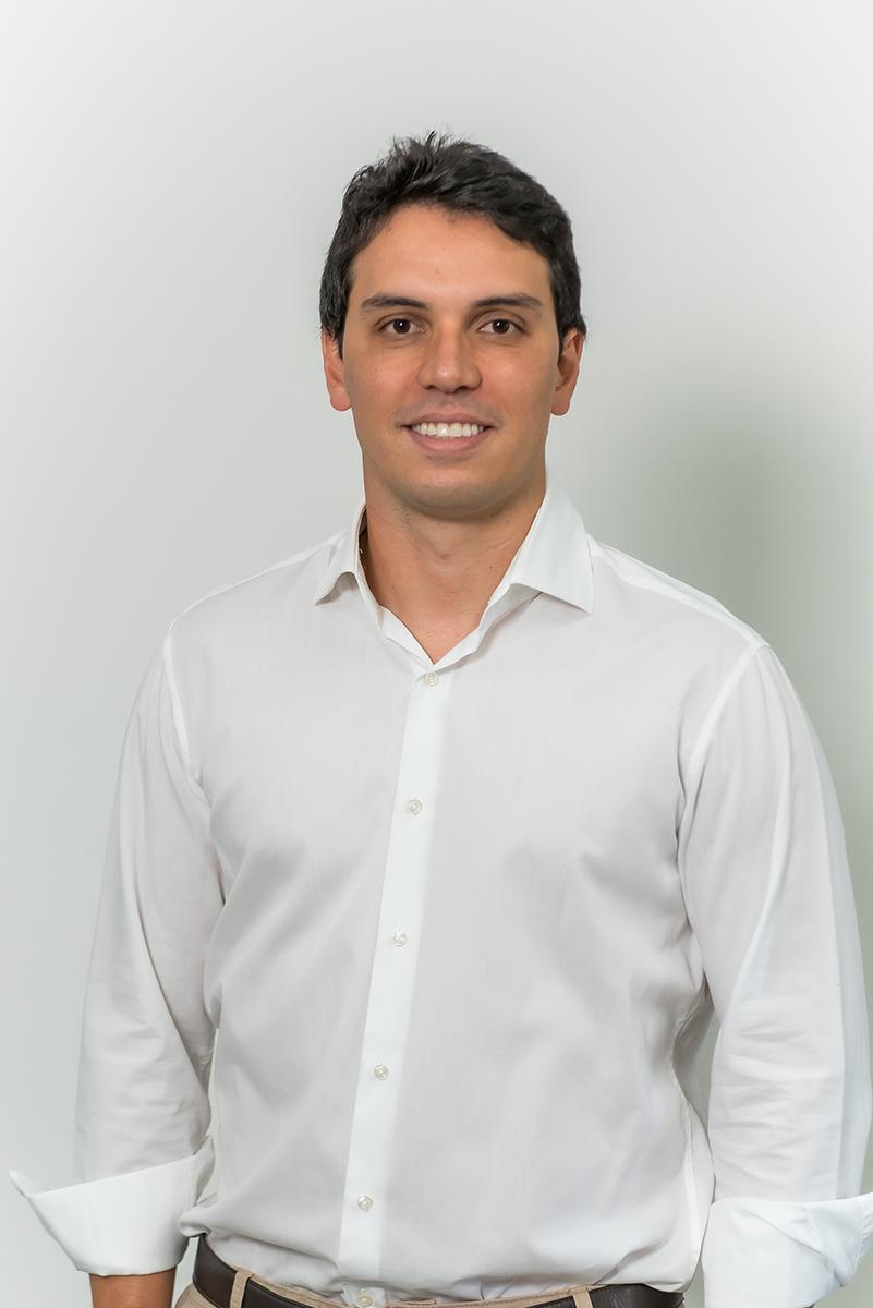 <b>e</b>Ricardo Tardin